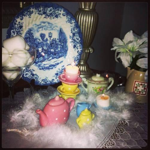 blog fluffy feather tea set
